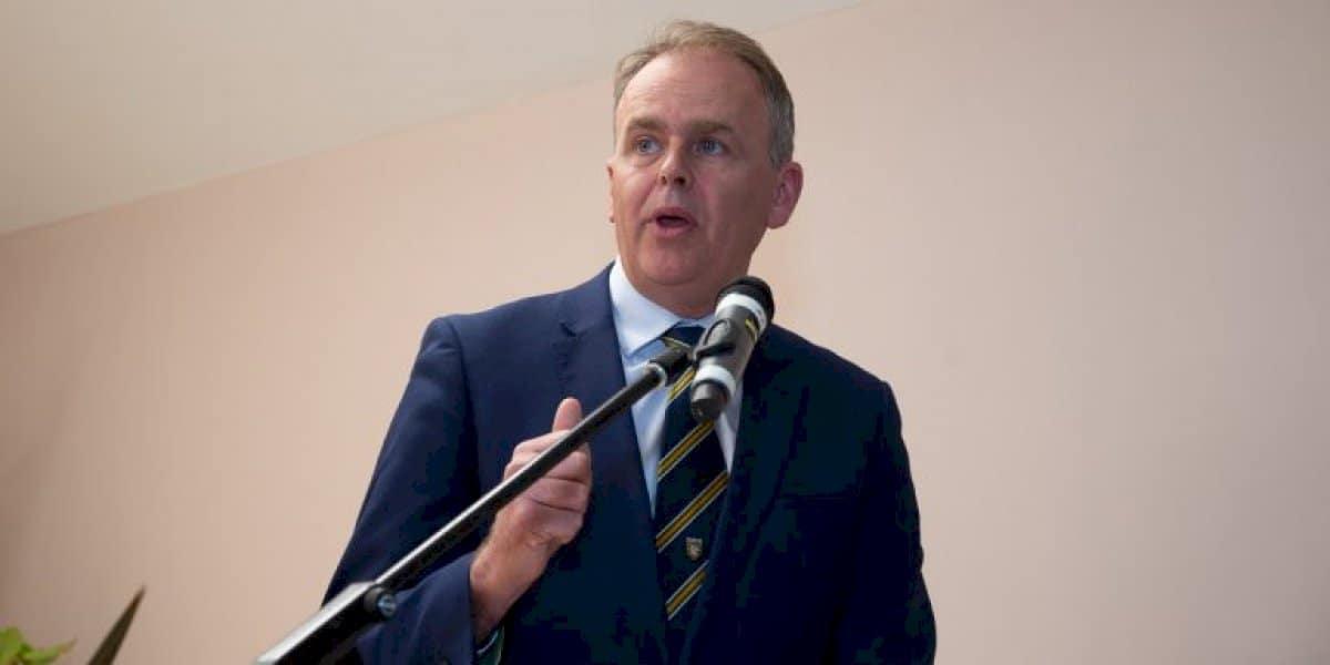 Curaclam nua teanga 'a chothóidh grá' d'fhoghlaim na Gaeilge á thabhairt isteach i ngach rang sa tír
