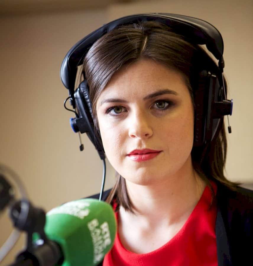 Cinneadh ciallmhar ó RnaG Áine Ní Bhreisleáin a chur i lár an aonaigh