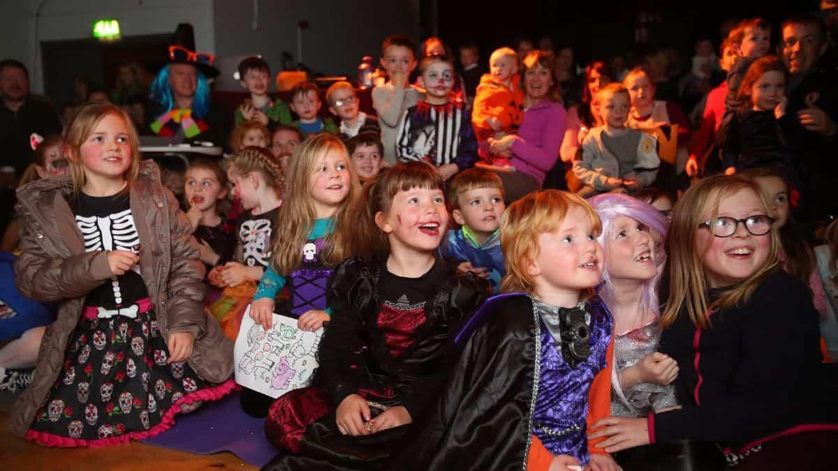 Siamsaíocht Oíche Shamhna | Halloween Entertainment